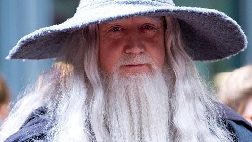 ... schmissen sich dafür in die passende Garderobe. Egal ob als Gandalf...