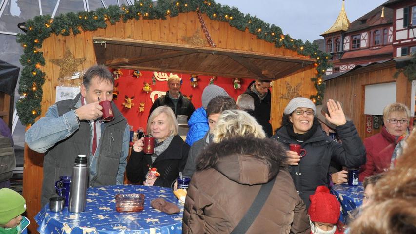 Budenstadt fand großen Anklang: Dichtes Gedränge in Schwabach
