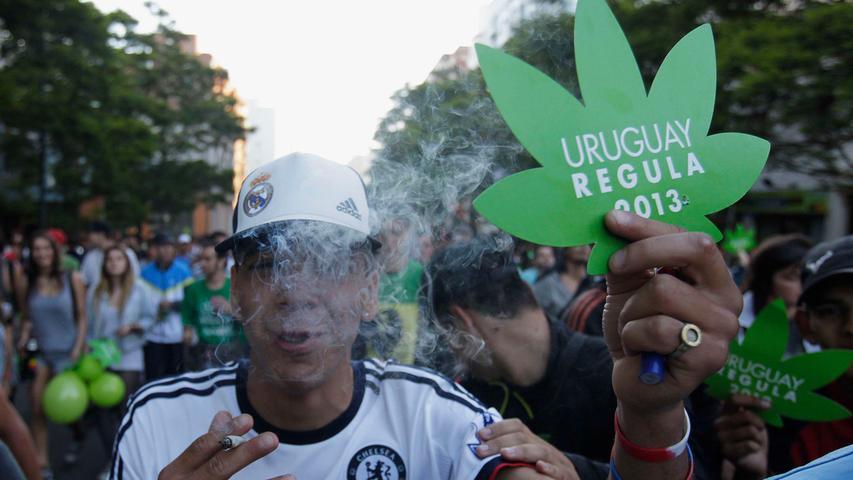 Als erstes Land weltweit legalisierte Uruguay im Dezember 2013 den Drogenverkauf. Damit dürfen die Südamerikaner Marihuana staatlich kontrolliert produzieren und verkaufen.