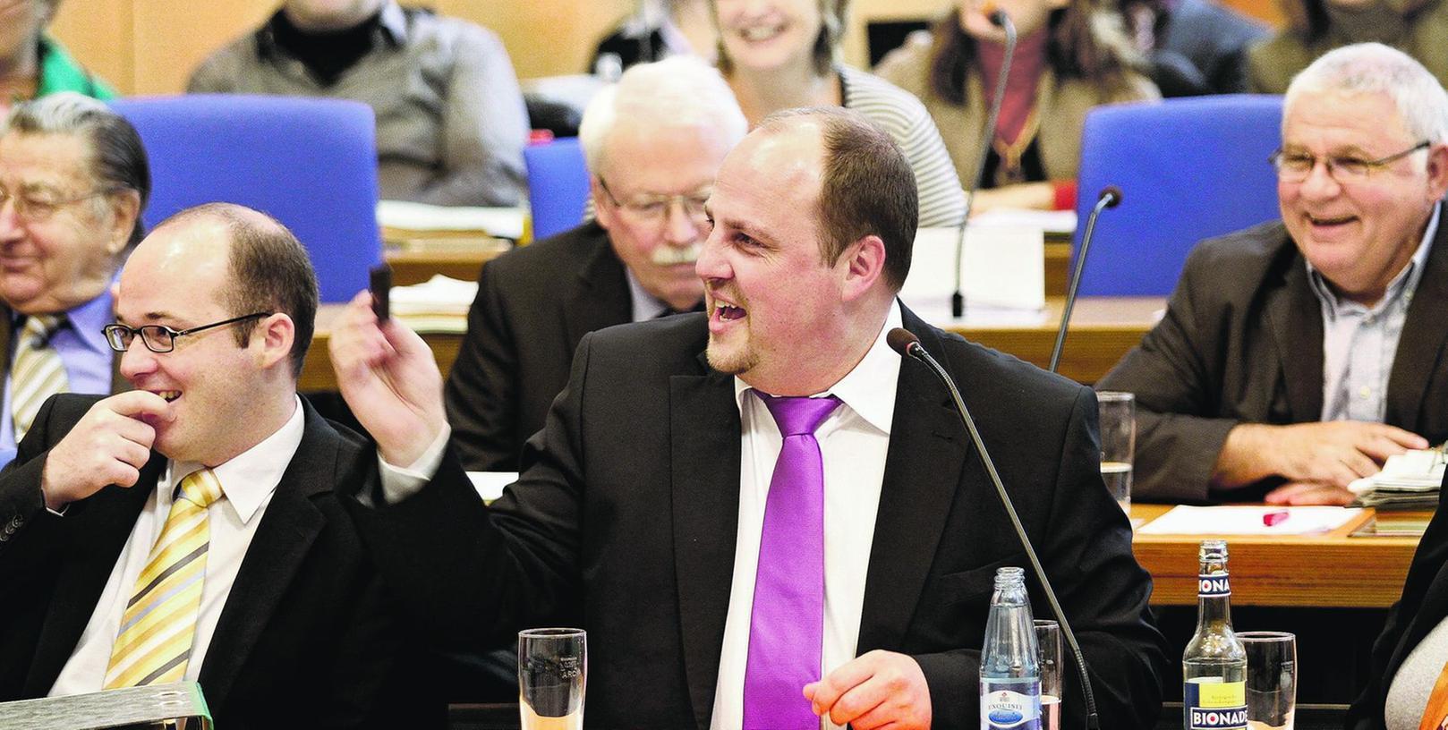 Die künftigen Kooperationen im Nürnberger Stadtparlament stehen laut SPD-Fraktionschef Christian Vogel (Mitte) noch nicht fest (Archivbild).