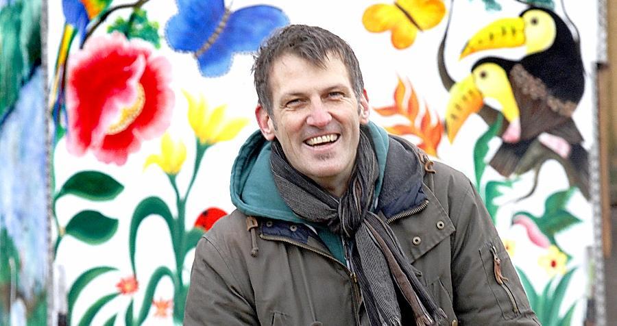Roland Brücher geht es nicht nur um die jährliche Ernte. Vor allem das Soziale liegt ihm am Herzen und der bewusste Umgang mit der Natur.