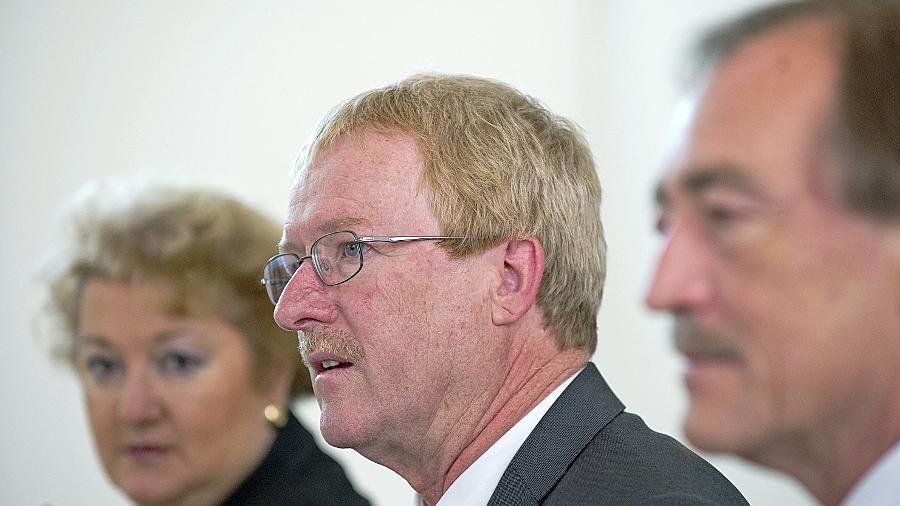 """Versteht sich mehr als Berater denn als """"Datenschutzpolizist"""": Thomas Kranig (M.), Präsident des Landesamtes für Datenschutzaufsicht in Ansbach."""