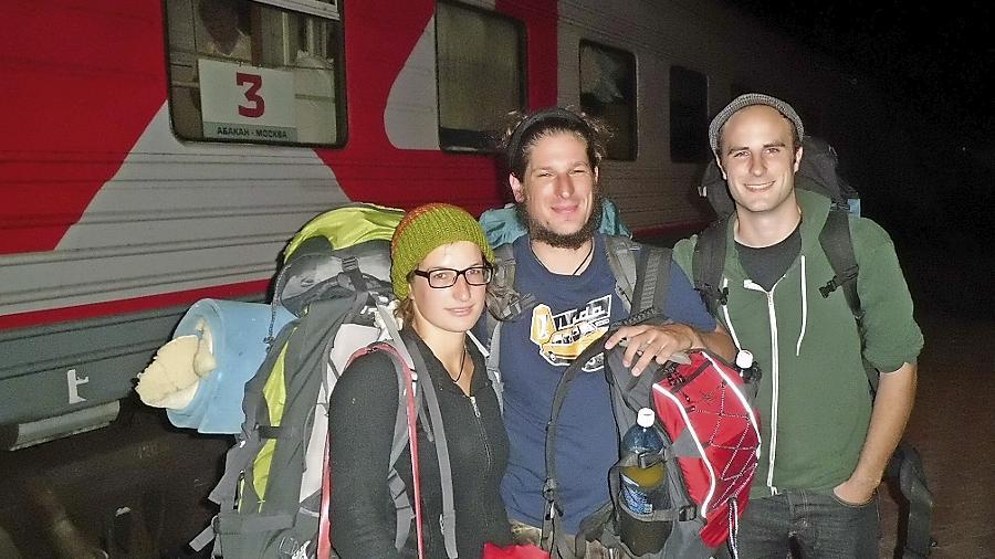 Susanne Schultz (v.li.), Michael Mischke und Enno Strudthoff auf der Vorbereitungsreise im Sommer 2013 in Nowosibirsk.