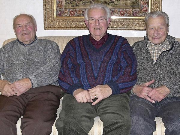 """Robert Rupprecht, Albert Zimmermann und Joseph Kraus (v.li.) wurden vor 70 Jahren als """"Luftwaffenhelfer"""" eingezogen."""