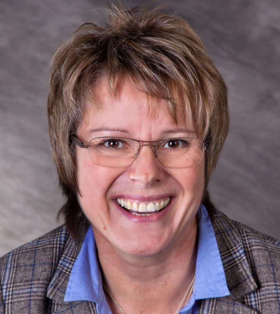 Wenn man in diesem Wahljahr von einer Sensation sprechen darf, ist sie Carolin Braun in Dietfurt gelungen: Die SPD-Frauhat für die Sozialdemokraten das Dietfurter Rathaus erobert. Damit ist sie die erste hauptamtliche Bürgermeisterin im Landkreis Neumarkt. 67,1 Prozent der Stimmen holte die 52-Jährige.