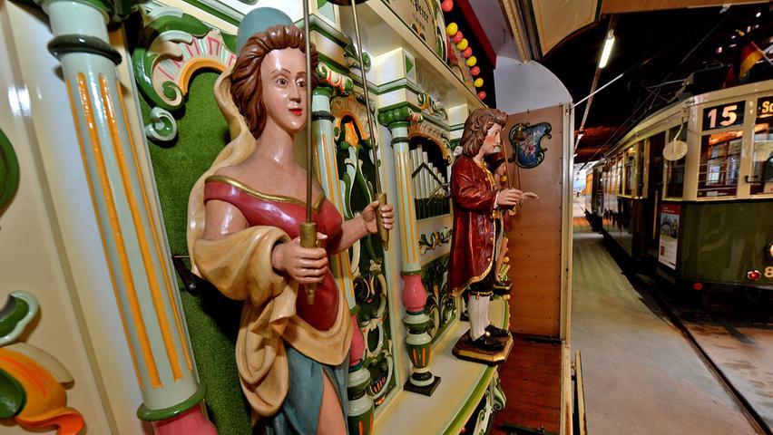 Gut 100 Jahre alt ist die historische Jahrmarktsorgel, die im Historischen Straßenbahndepot St. Peter buchstäblich den Ton angibt...