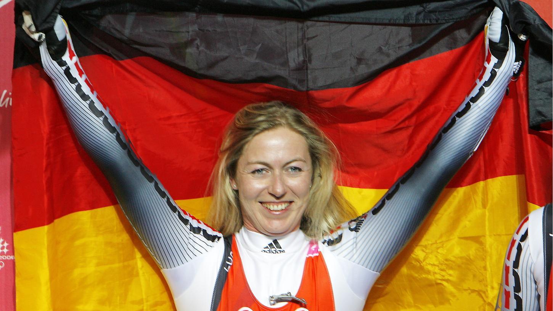 Sylke Otto ist deutsche Rennrodel-Weltmeisterin und lebt in Zirndorf. Beim 11. Seifenkistenrennen Nürnbergs wird sie ebenfalls dabei sein.
