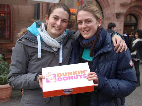 Lena (22, links) und Saskia (23).