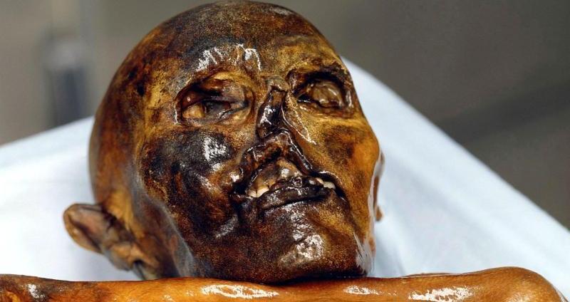 Gletschermumie Ötzi wurde vor 25 Jahren gefunden - jetzt gibt es neue Erkenntnisse über seine Kleidung.