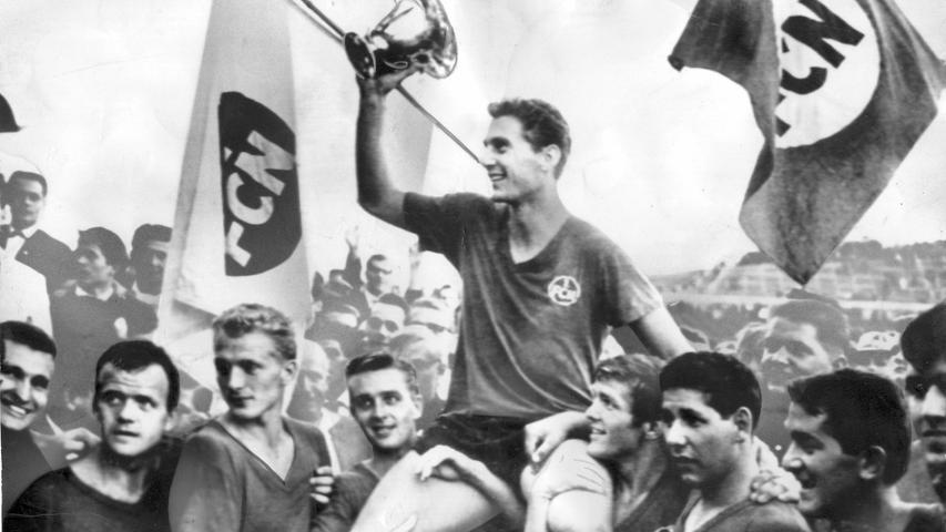 Der großgewachsene Modellathlet zählte zu den herausragenden Stoppern seiner Zeit und war über Jahre der Fixpunkt in Nürnbergs Abwehr. Zwei Meisterschaften (1961, 1968) und ein Pokalsieg (1962) zieren seine Titelsammlung. Ersatz: Luitpold Popp Beim Club aktiv: 1958 - 1972   Spiele für den Club: 706   Titel: Deutscher Meister 1961, 1968 / Pokalsieg 1962