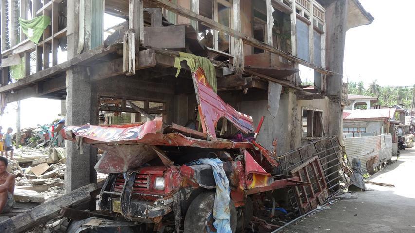 """Tacloban nach dem Taifun: """"Positive Energie in der Trümmerwüste"""""""