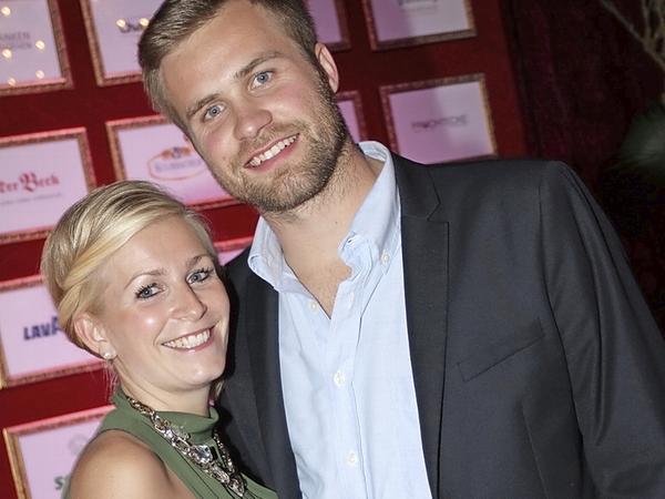 Große Gefühle: Max Müller mit seiner Ehefrau Annalena.