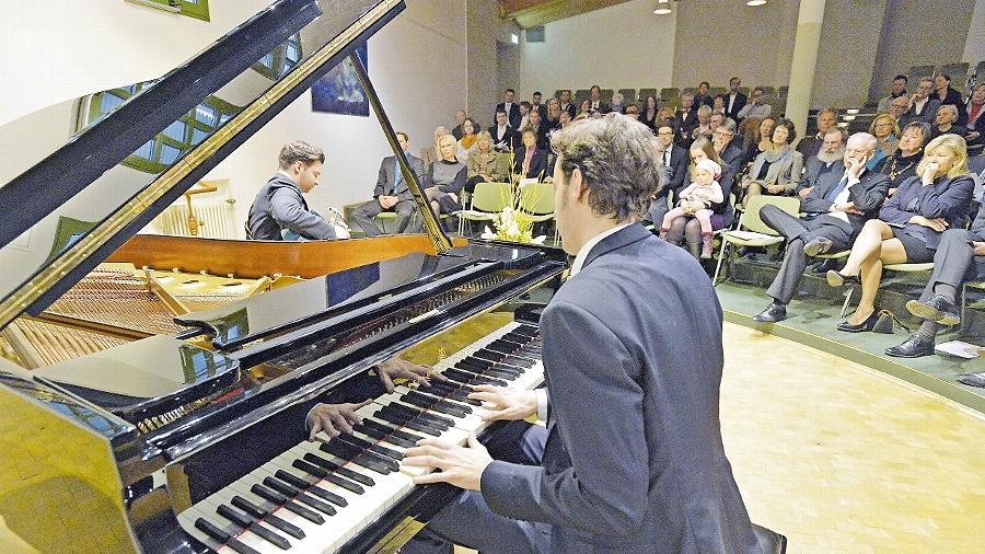 Gitarrist Torsten Goods und Pianist Jan Miserre in der EMI-Konzertwerkstatt.