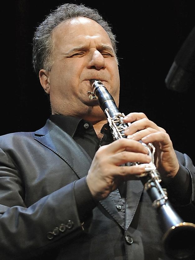 David Krakauer — und seine Klarinette — sind auch wieder mit von der Partie.