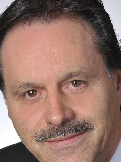 Bernhard Kraus (CSU) hat dem Herausforderer Johann Karg (FW) erfolgreich die Stirn geboten.  Kraus erhielt 52,97% der Stimmen, Karg 47,03%.