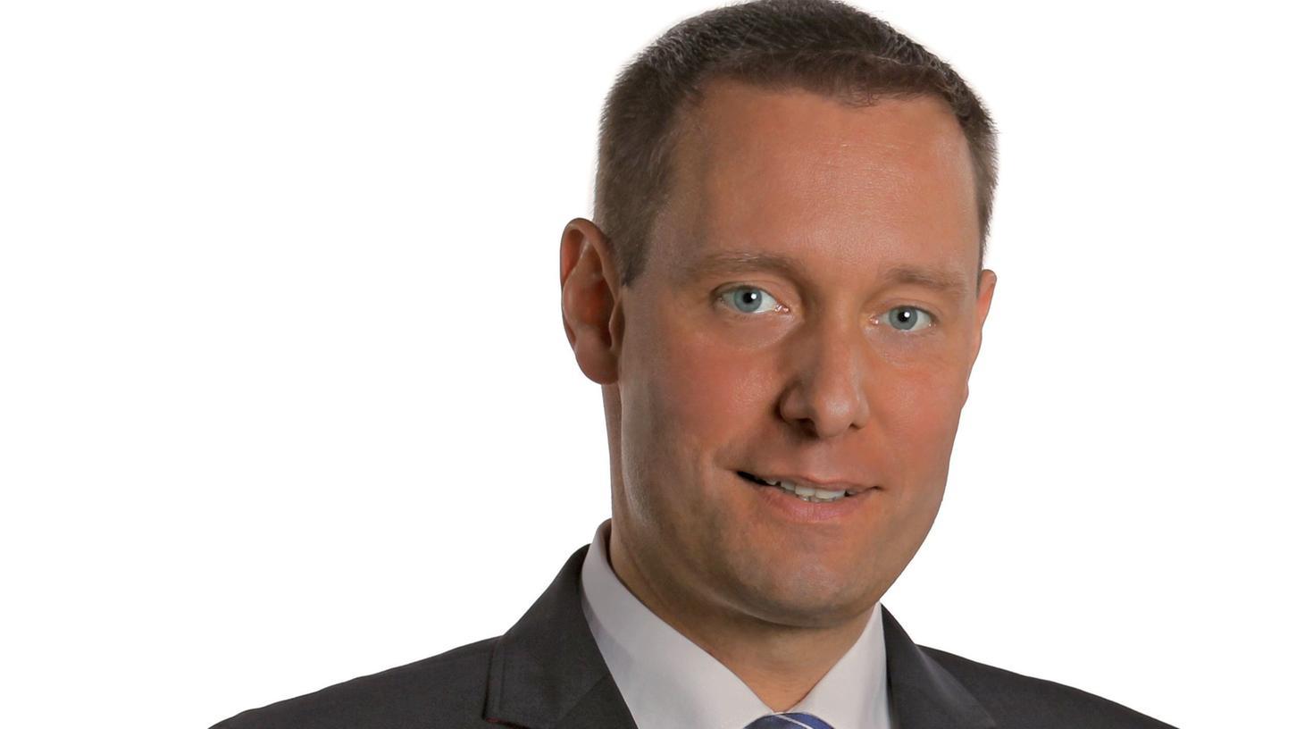 Armin Kroder von den Freien Wählern ist der neue Bezirkstagspräsident.