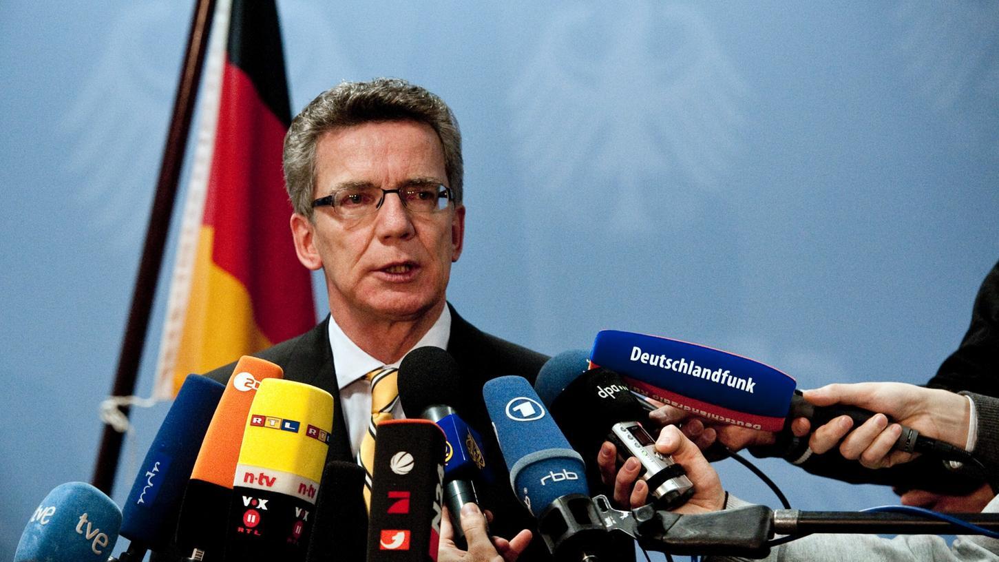 De Maizière war von 2005 bis 2009 Chef des Kanzleramts. Schon damals hatte die Regierungszentrale von unzulässigen Spähversuchen der NSA gegen europäische Ziele erfahren.