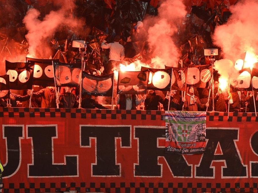 Blick In Die Ultra Szene Fussball Subkultur Mit Eigenen