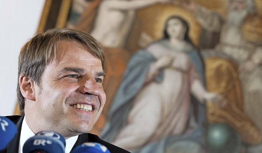 Der neu ernannte Bischof von Passau, der Salesianer-Pater und Hochschul-Professor Stefan Oster, hat einen außergewöhnlichen Werdegang.