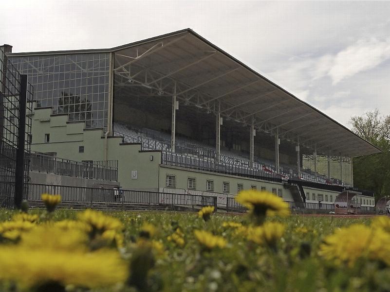 Altehrwürdig präsentiert sich das denkmalgeschützte Poststadion in Berlin-Moabit. Dort bestritt der Club in den 30er Jahren gleich zwei Endspiele um die Deutsche Meisterschaft.