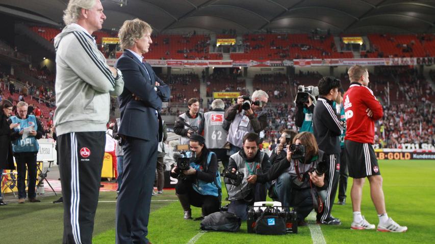Am 25. Oktober wurde es dann ernst: Verbeek gab gemeinsam mit seinem Co-Trainer Raymond Libregts sein Debüt gegen den VfB Stuttgart. Beim 1:1 zeigte der Club eine ansprechende Leistung, die berechtigten Anlass zu Optimismus gab.