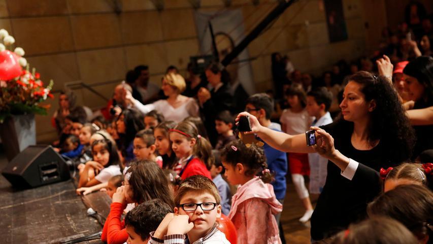Internationales Kinderfest, dass in der Türkei jedes Jahr am 23.April gefeiert  wird...In Kooperation mit zahlreichen Vereinen aus dem Großraum Nürnberg werden  wir diesen ..besonderen Tag, den der Gründer der Republik Türkei Mustafa Kemal  Atatürk den Kindern ..gewidmet hat, in großem Rahmen in der Stadthalle Fürth  feiern...Foto: (c) RALF RÖDEL / NN +++ Veröffentlichung nur nach vorheriger  Vereinbarung!