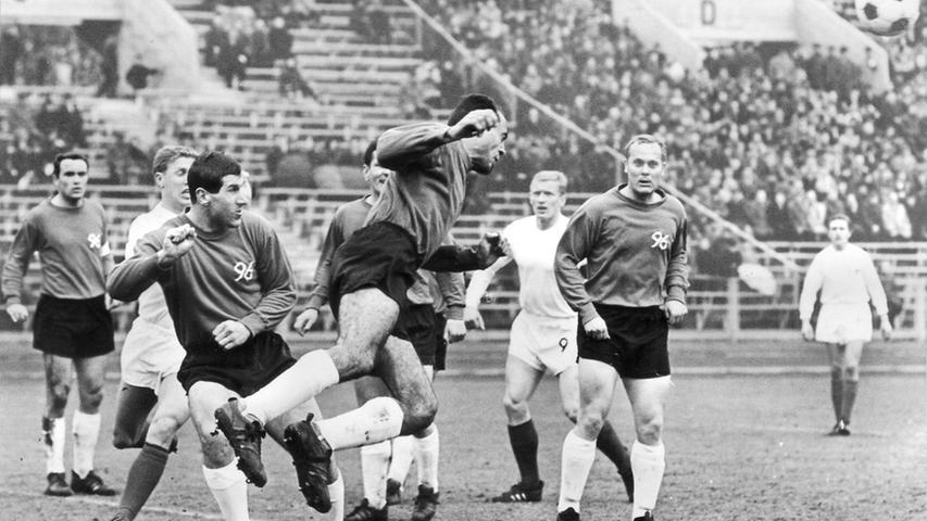 Nürnberg gegen Hannover ist eine spannende Angelegenheit. Torlos und ohne Kraftanstrengung endete noch kein fränkisch-niedersächsisches Bundesliga-Duell. Im Gegenteil: