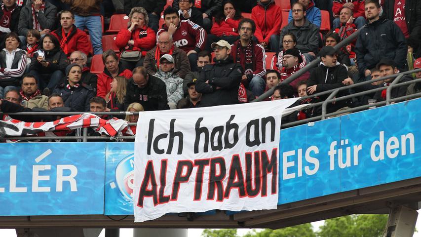 … der 17. Saisonniederlage und der zehnten Pleite aus den letzten elf Partien absehbar - und am darauffolgenden Samstag nach der Niederlage auf Schalke Realität.