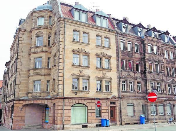 Wo sich an der Ecke Rosenstraße/Theaterstraße einst das alte Theater befand, stehen heute Wohnhäuser.