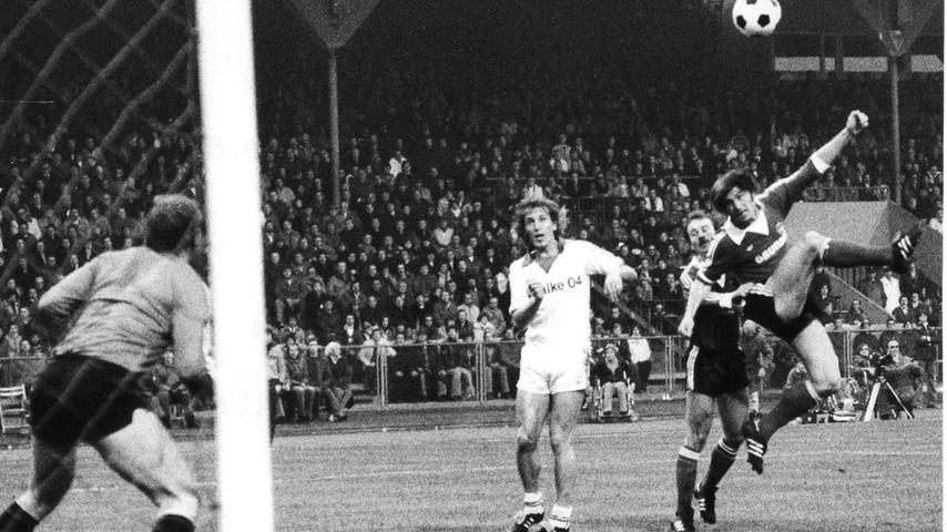 FOTO: NN / historisch; 1970er; veröff. NN 06.11.1978..MOTIV: Fussball, 1. FCN -  Schalke 04; 04.11.1978, 0:2 (0:2)...KONTEXT: