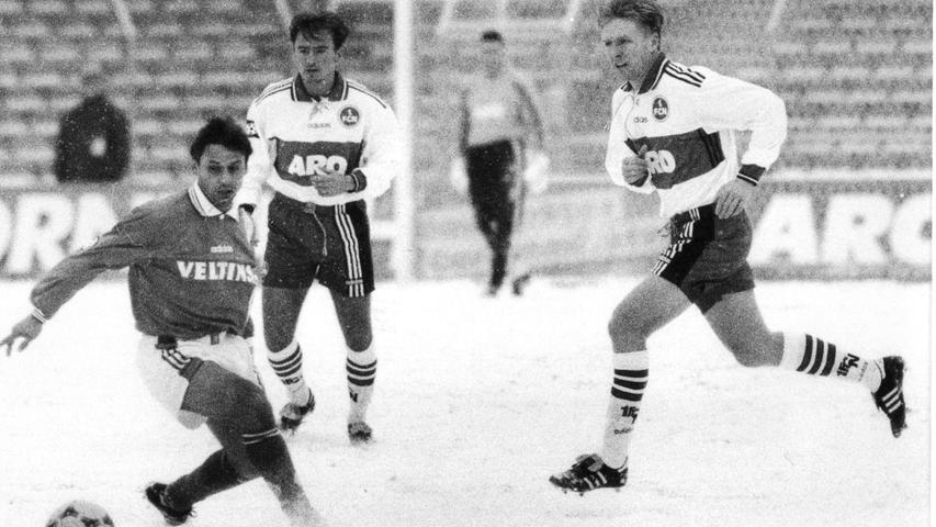 FOTO: NN / Eduard Weigert, historisch; 1990er; veröff. NN 26.01.1998..MOTIV:  Fussball, 1. FCN - Schalke 04;..KONTEXT: