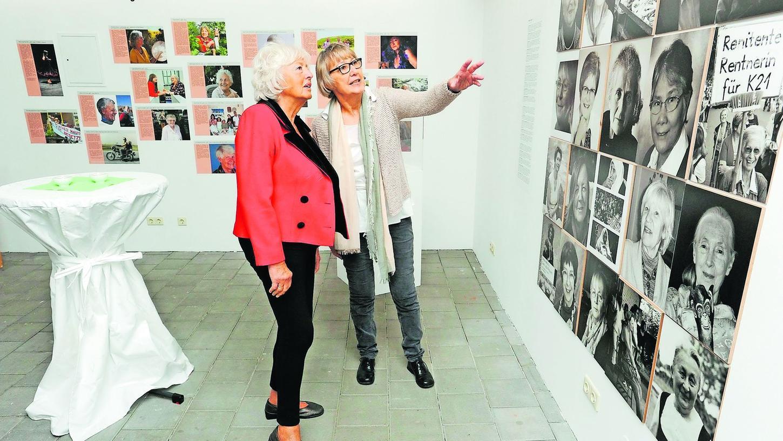 Renate Schmidt (li.) mit Gudrun Cyprian vom Verein