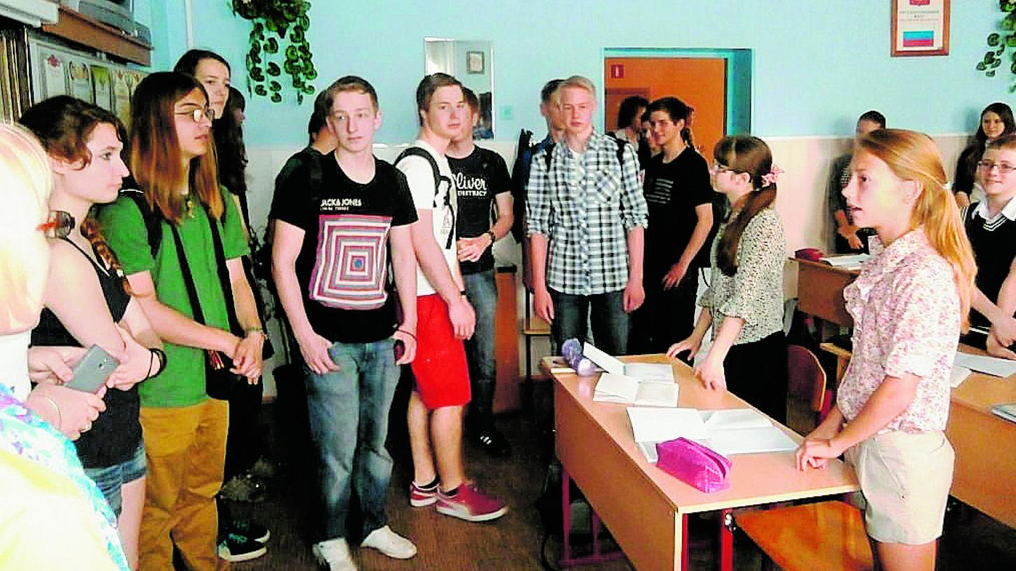 H�chstadter Sch�ler zu Besuch in der Partnerschule in Krasnogorsk. Trotz der Krise f�hrt auch heute wieder eine Gruppe in die Partnerstadt. Bedenken wegen der Ukraine-Krise gibt es eher nicht.Foto: privat