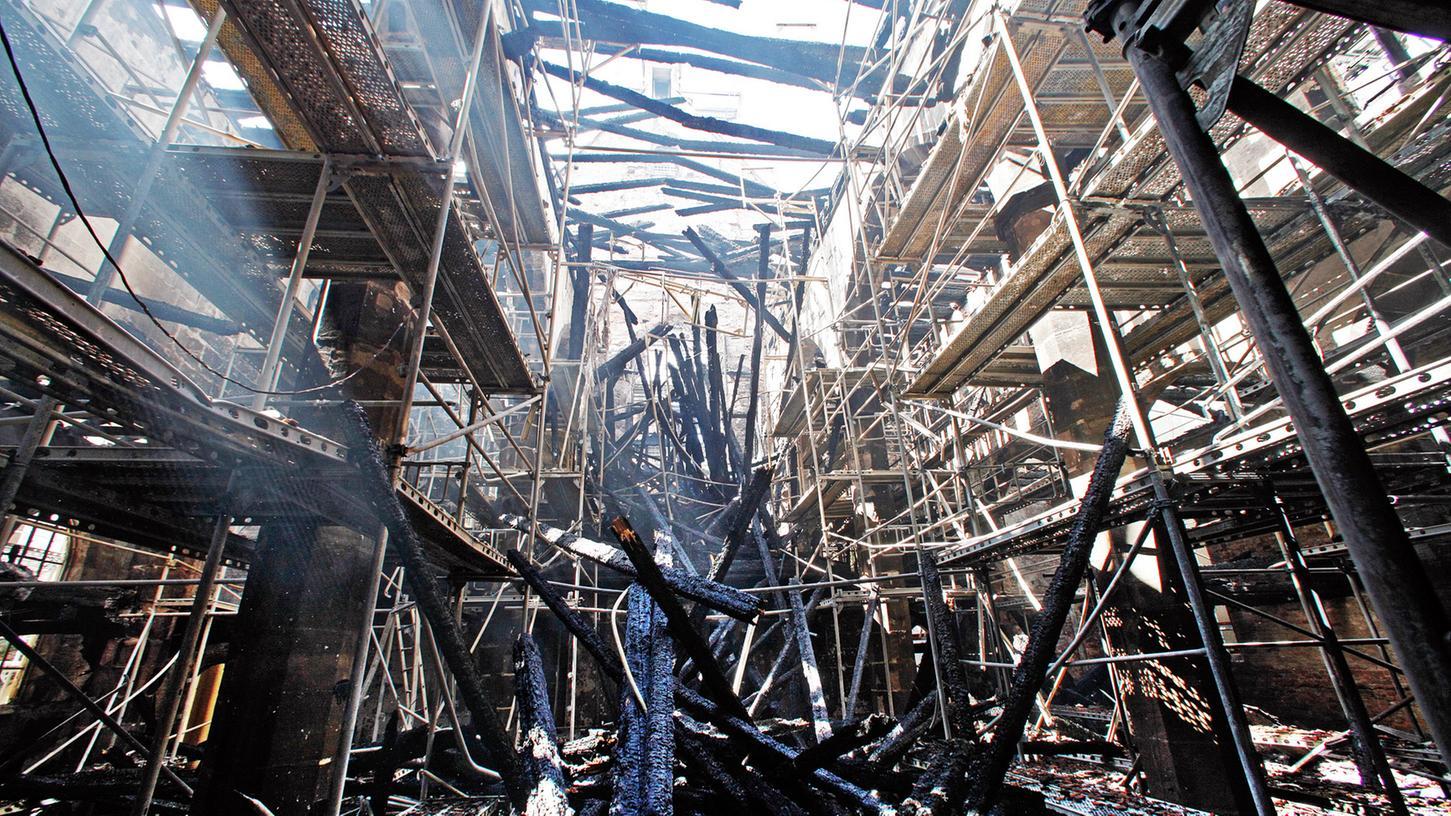 In der Nacht zum 5.Juni wurde die eng umbaute Marthakirche an der Königstraße durch einen Großbrand zerstört. Mittlerweile läuft der Wiederaufbau.