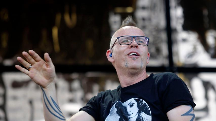 Poli/Lok/Feui..Foto: Günter Distler..Motiv: Rock im Park 2014; Sonntag,  08.06.14; Die Fantastischen Vier; Fanta 4
