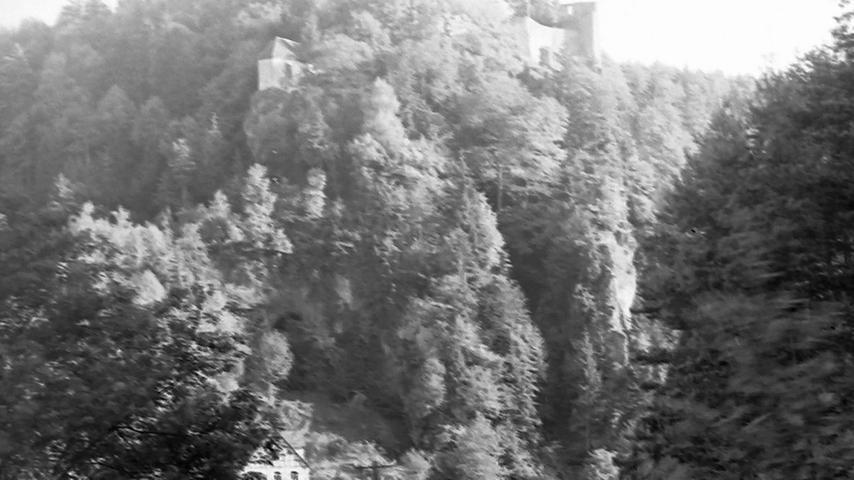 Historisches Foto, aufgenommen von Wilhelm Heinz ca. 1930 in der Fränkischen  Schweiz, digitalisiert von Max Legien  Burg Rabeneck