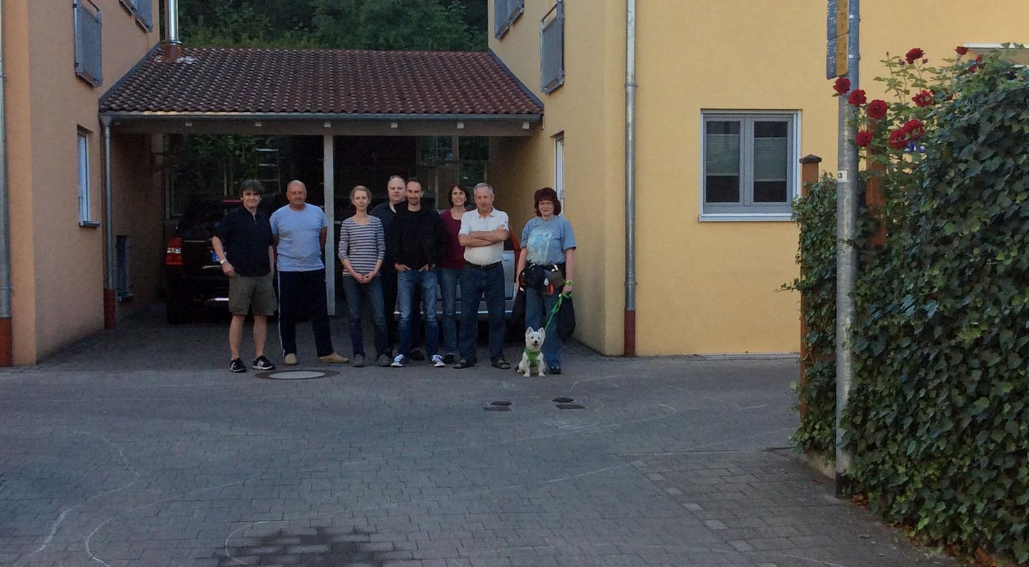 Anwohner der Vacher Straße in Fürth protestieren gegen Geräuschbelästigung.