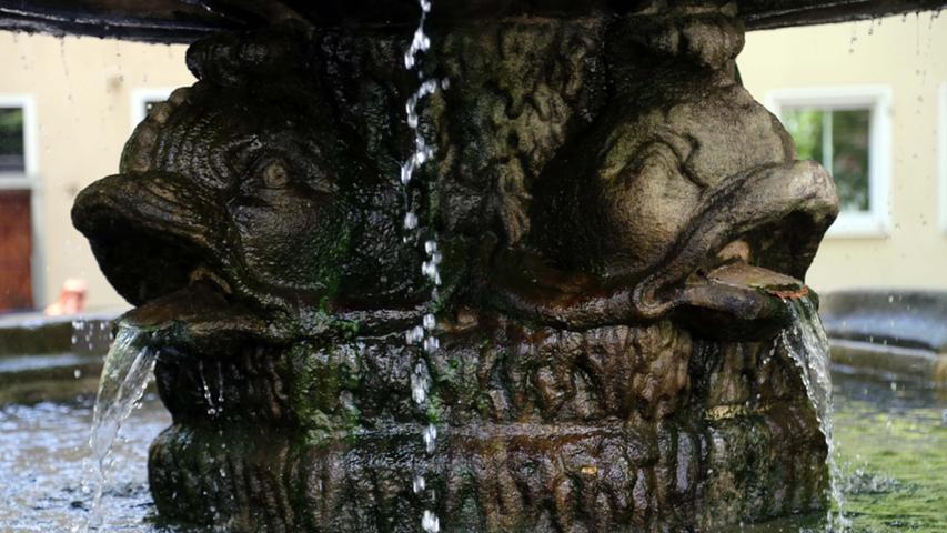 Der Tritonbrunnen - ein Barockbrunnen - ist der einzige in der Altstadt noch heute erhaltene.