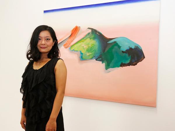 """Mariko Tsunoka überzeugte die Jury mit ihrem Gemälde """"Landschaft"""" und erhält dafür den 3. Preis."""