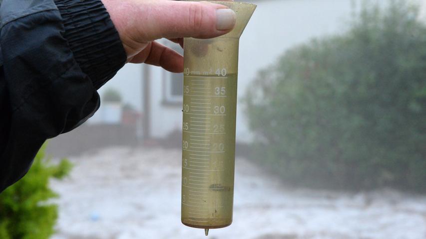 ...40 Liter Niederschlag pro Quadratmeter innerhalb kürzester Zeit gefallen.