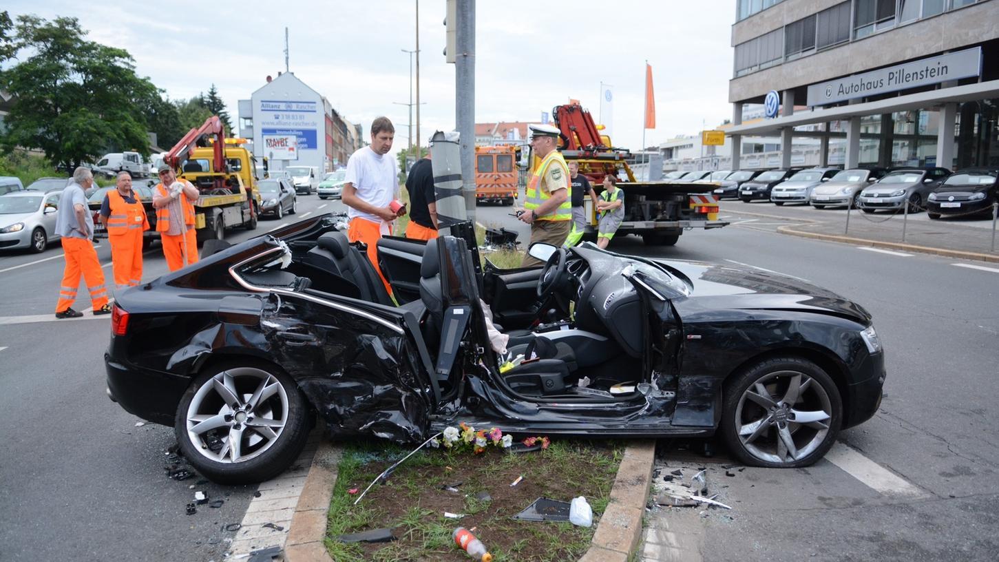 In diesem Fahrzeug wurde Kleeblatt-Profi Ilir Azemi am Donnerstagmorgen schwer verletzt.