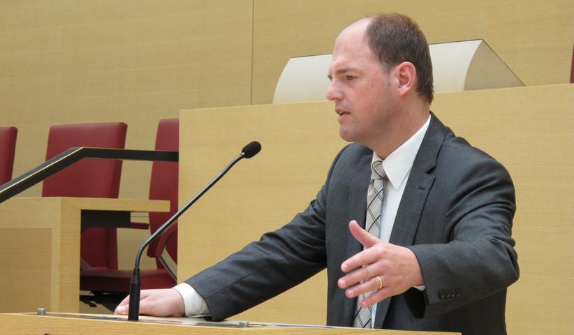 Der Rechtsanwalt Michael Hofmann sitzt seit 2013 für die CSU im Bayerischen Landtag. Nachdem er bei dieser Wahl 34,36% holen konnte, wird er auch in der kommenden Legislaturperiode den Stimmkreis Forchheim im Landtag vertreten.