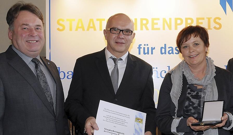 Im Jahr 2010 wurde die Bäckerei Pflaum als eine der 20 besten in ganz Bayern mit dem Staatsehrenpreis ausgezeichnet. Landwirtschafts-Minister Helmut Brunner überreichte Heinrich und Karin Pflaum die Urkunde.