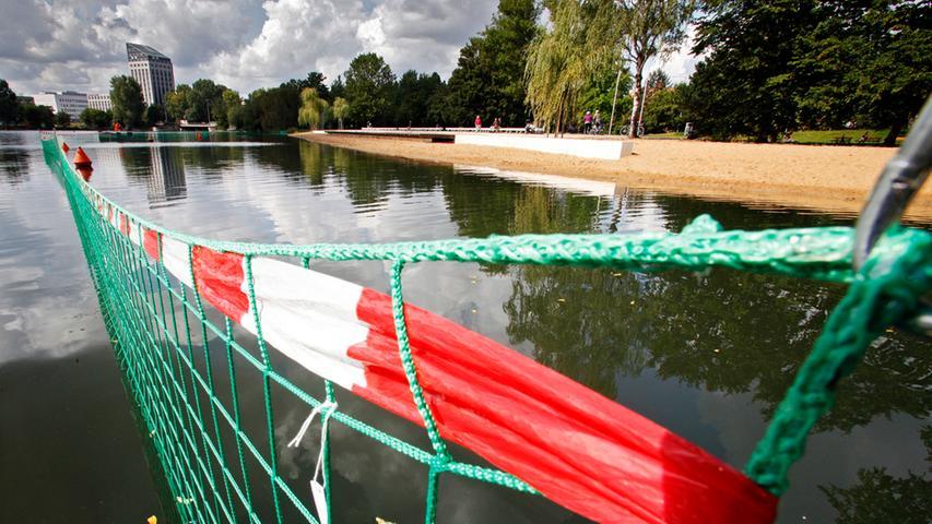 Gänseschreck am Wöhrder See: Sör errichtet Zaun im Wasser