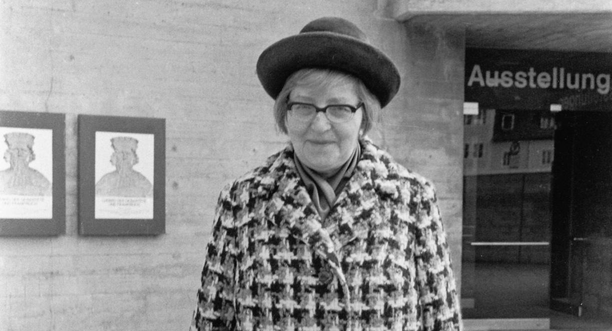 Gern elegant: Autorin Marieluise Fleißer, stets in damenhafter Perfektion, in den frühen 70er Jahren.