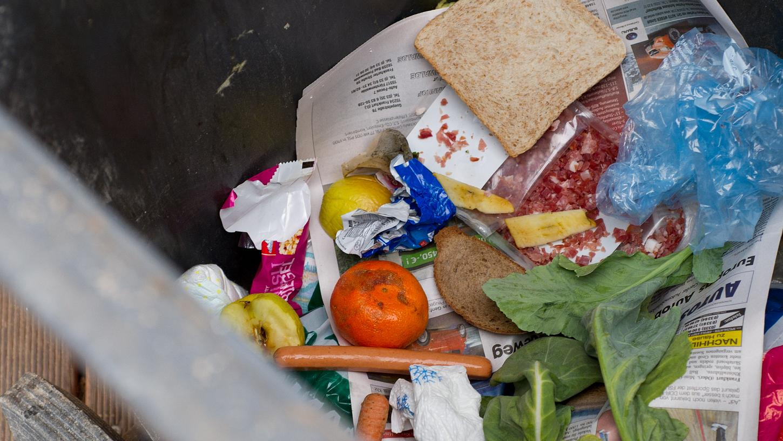 Zu viele Lebensmittel landen im Müll.