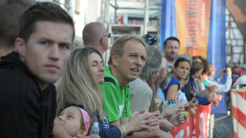MOTIV:FS-Marathon/Forchheim/Startt/Landkreis  Forchheim/Marathon..Handbiker/Skater/Inline Frauen/Maenner/Fränkische Schweiz  Marathon Start Forchheim..Nuernbergerstrasse/Forchheim..Foto.Roland  Huber_Altjohann..Datum06.09.2014