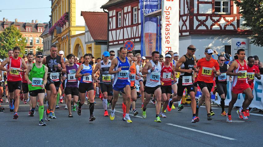 Rund 1700 Teilnehmer gingen am Morgen beim Fränkische-Schweiz-Marathon auf die Strecke.