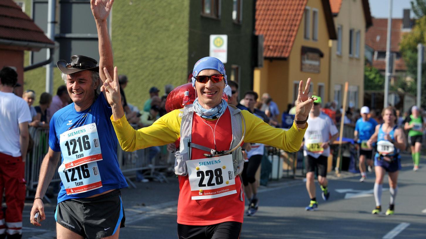 Geschafft! Da machen sich bei den Teilnehmern des Fränkische Schweiz Marathons Freude und Erleichterung breit.