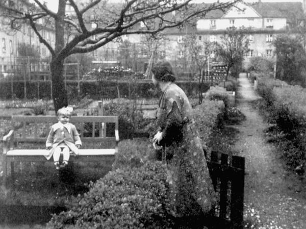 Wie diese historische Aufnahme zeigt, dienten die Gartenparzellen der Siedlung zur Selbstversorgung und Erholung.